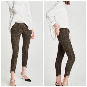 Zara Camo Ankle Cropped Jean Size 2